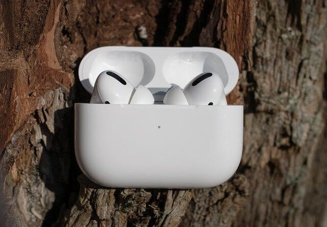 Airpods Connecting While in Case