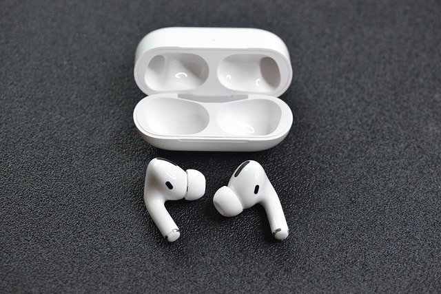 Fix AirPods Mic Not Working
